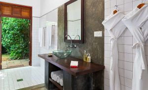 The Bathroom of Kala Garden Suite at The River House Galle Resort